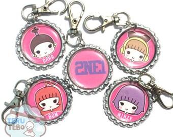 2NE1 chibi Kpop keychain / plug / phone strap