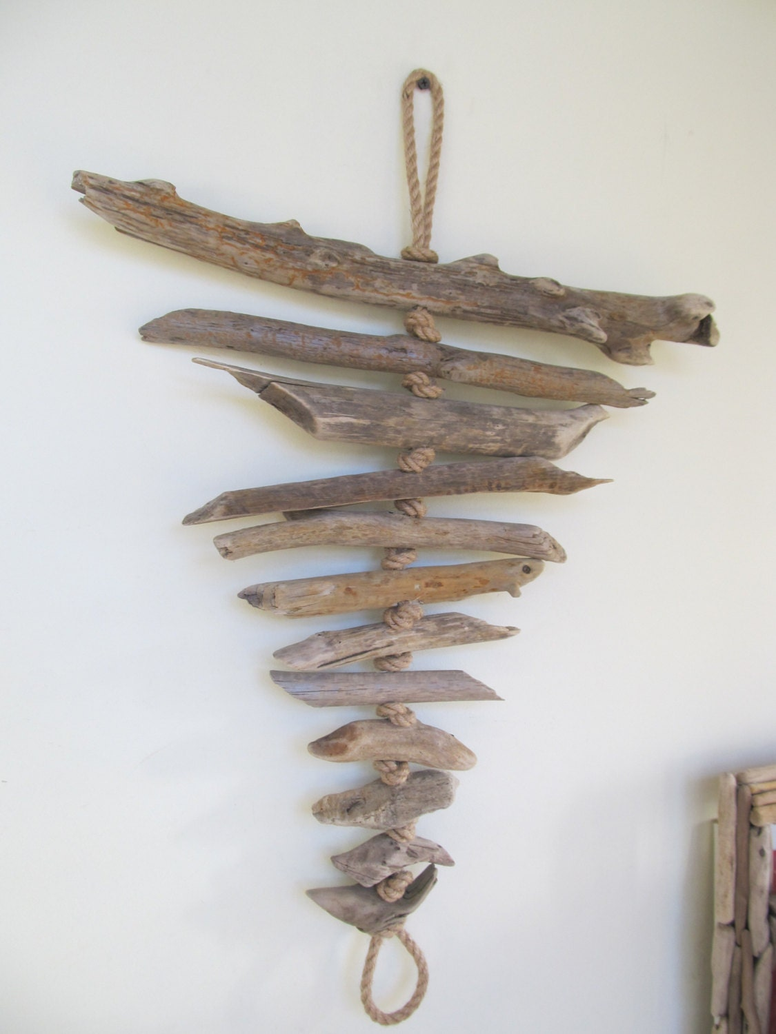 25 colorful driftwood wall hanging decor unique for Driftwood wall