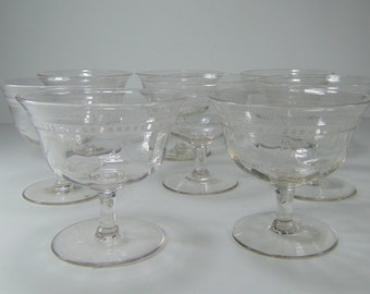 REDUCED - Vintage Set of 8 Clear Glass Pedestal Dessert Dishes, Bowls, Berry Bowls, Ice Cream Dish