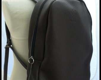 Backpack brown cowhide leather bag bold