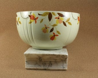 1930s Vintage Hall's Superior Quality Kitchenware Autumn Leaf Radiance Bowl - Vintage Condition