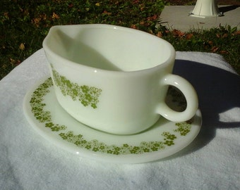 Pyrex Crazy Daisy Spring Blossom Green Gravy Boat With Drip Plate 77-B  77-U