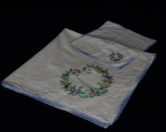 vintage embroidered tablecloth - needlepoint tablecloth -  small tablecloth - embroidered table cloth