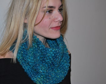 Chunky  knitted  Neckwarmer- Loop Scarf-  Women Hood Wool Scarf- Infinity Emerald Green Scarf - Handmade Snood-Scarf - Women's Cowl