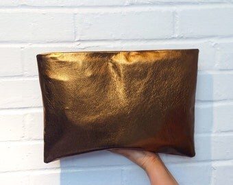 Metallic oversized clutch