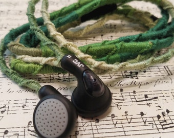 Embroidered Headphones - Green