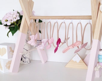 Bow hanger / bow stand / accessory rack / scandi