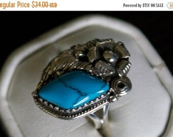 ON SALE Charming Turquoise Silver Ring