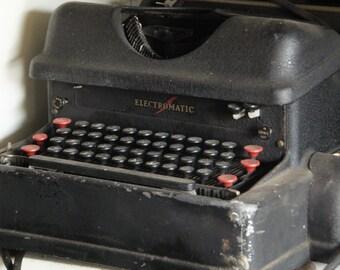 Vintage IBM Electromatic 1940's typewriter first electric