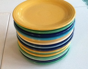 VERY RARE, OLD vintage genuine Fiestaware by Homer Laughlin Co from 1936-1951 in excellent condition. Fiesta ware lunch/salad plates.