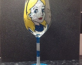 Alice in wonderland glitter wine glass