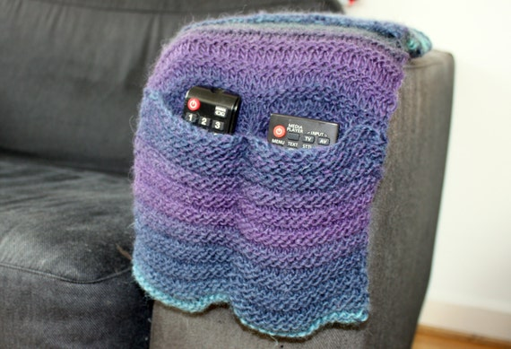 Knitting Pattern Remote Control Holder : Knitting Pattern Instant Download PDF, Remote Control Caddy, Arm Chair Pocket...