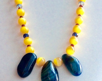 """17.5"""" Stunning Yellow Cat's Eye and Blue Crystal Quartz Pendant Necklace!  Gold plated toggle clasp, Czech glass accent beads"""
