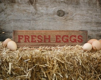 Fresh Eggs Sign - Rustic Upcycled Wood Fresh Eggs Sign with Red, Vintage Design for Chicken Coop, Garden, or Indoor Decoration