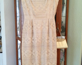 Vintage 1970's Carlye Ecru Cream Lace Dress - Small - Free U.S. Shipping.
