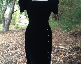 SALE * Vintage 1990's Black Velvet Dress *  Size Small *  Gillian