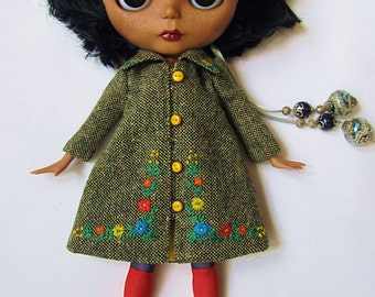 tweed coat for Blythe(grey-green, yellow buttons)