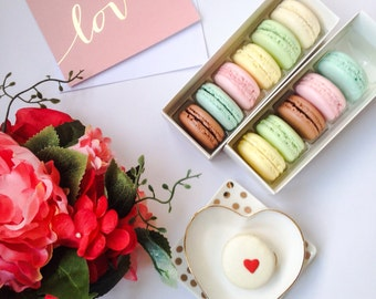 12 FRENCH MACARONS in vintage inspired signature box for Valentine's Day