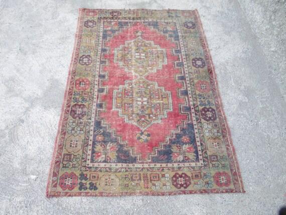Vintage Oushak tappeto intrecciato con tenui colori tappeto