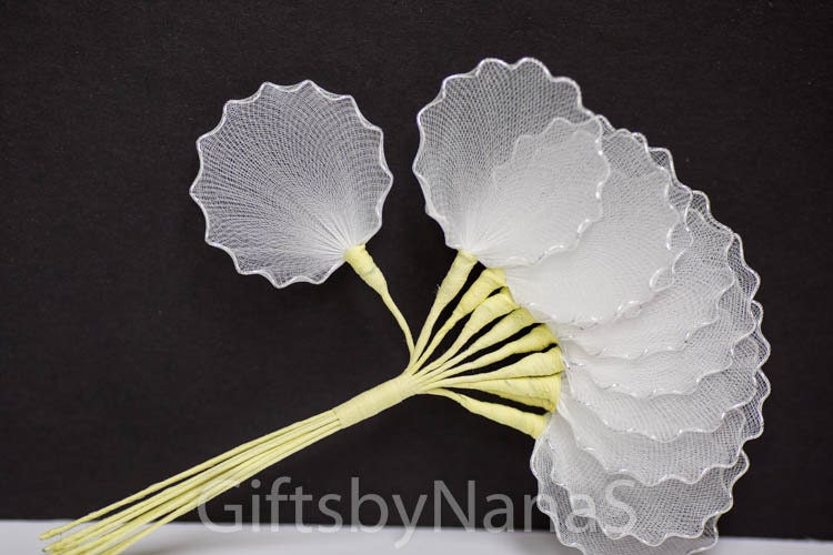 Silver Edge 10pc Almond Holders Tulle Net Leaves Wire