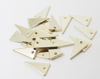 P0427/Anti-tarnished Gold Plating Over Brass /Isosceles triangle Pendant/12x7mm/4pcs