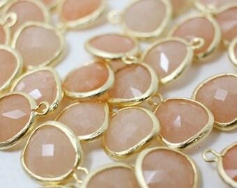 G001024P/Pastel Peach Jade/Matte Gold plated over brass+Dyed Jade/Asymmetrical framed glass pendant/13mm x 15.8mm/2pcs