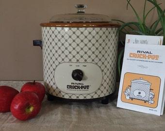 3.5 Quart Vintage Crock Pot / Rival Crock Pot / Large Crock Pot