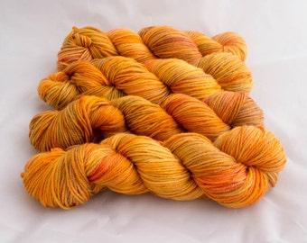 SALE** - Ellsworth Worsted Weight Superwash 100% Merino Yarn - Aztec Gold - 218yd/100g