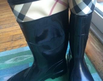 Brand new Burberry rain boots Size 8