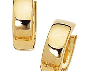 14k Yellow Gold Huggie Earring