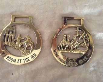 VINTAGE CHRISTMAS HORSE Brasses, one marked B.