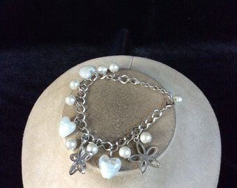 Vintage Irrideent White Glass Heart & Floral Charm Bracelet