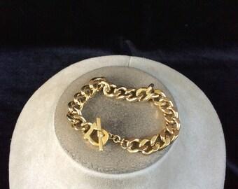 Vintage Goldtone Chain Linked Toggle Bracelet