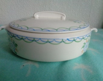 Vintage 1930's tureen and  lid stamped Modern Bristol Academy by Poutney & Co Ltd
