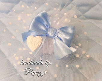 White and blue flocked tulle wedding favor