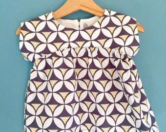 Baby girls' top, grey and yellow geometric print. Size - 18 months