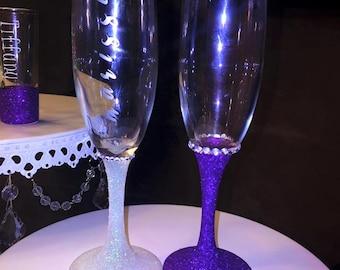 Champagne glasses, toasting glasses, bridal party champagne glasses, bridesmaid glasses, bridal party gift