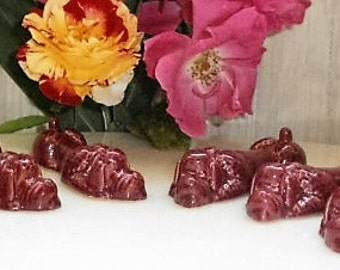 french Shabby Vintage 6 Poodles knife rests in Glossy Majolica - Vintage 6 knife poodle in bordeaux slip in original box