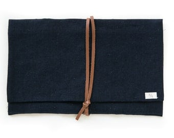 Linen Holdall Pouch in Deep Sea Navy
