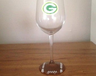 Green Bay Packers wine glass