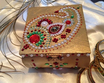 Wedding favors gift - beautiful wooden jewelry box adorned with pearls and rhinestones