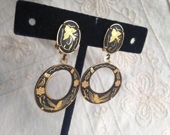 Vintage Damascene Earrings, 1960s damascene earrings, earrings from Spain, Spanish Earrings, toledo jewelry, damascene earrings, loops