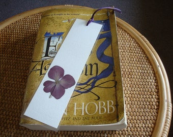 Pressed flower bookmark - Purple Hydrangea
