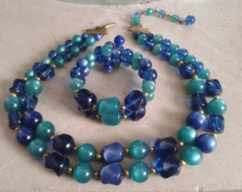 1950s 1960s Sapphire Blue and Green multi strand necklace and wrap bracelet