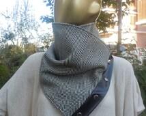 Men Grey Black herringbone circular, chunky scarf, men accessory, men scarf, Herringbone Unisex Scarf / Scarf with snaps on Leather