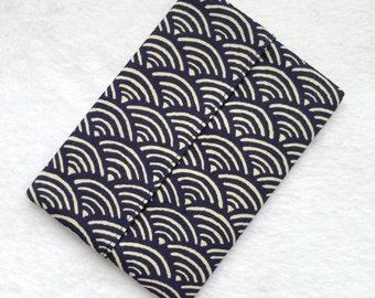 Packet Tissue Holder - Navy Scallop