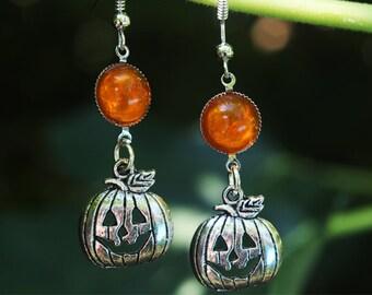 Silver earrings with pumpkin pendant