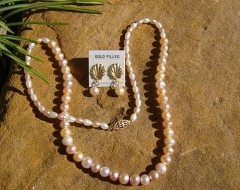 Pretty Pearl Necklace and Earring Set