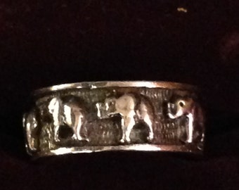 Beautiful stelring silver elephant band ring