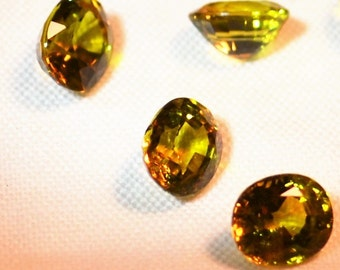 Mali Garnets - Color 059 - Medium Greenish Yellow - VVS Eye Clean 1